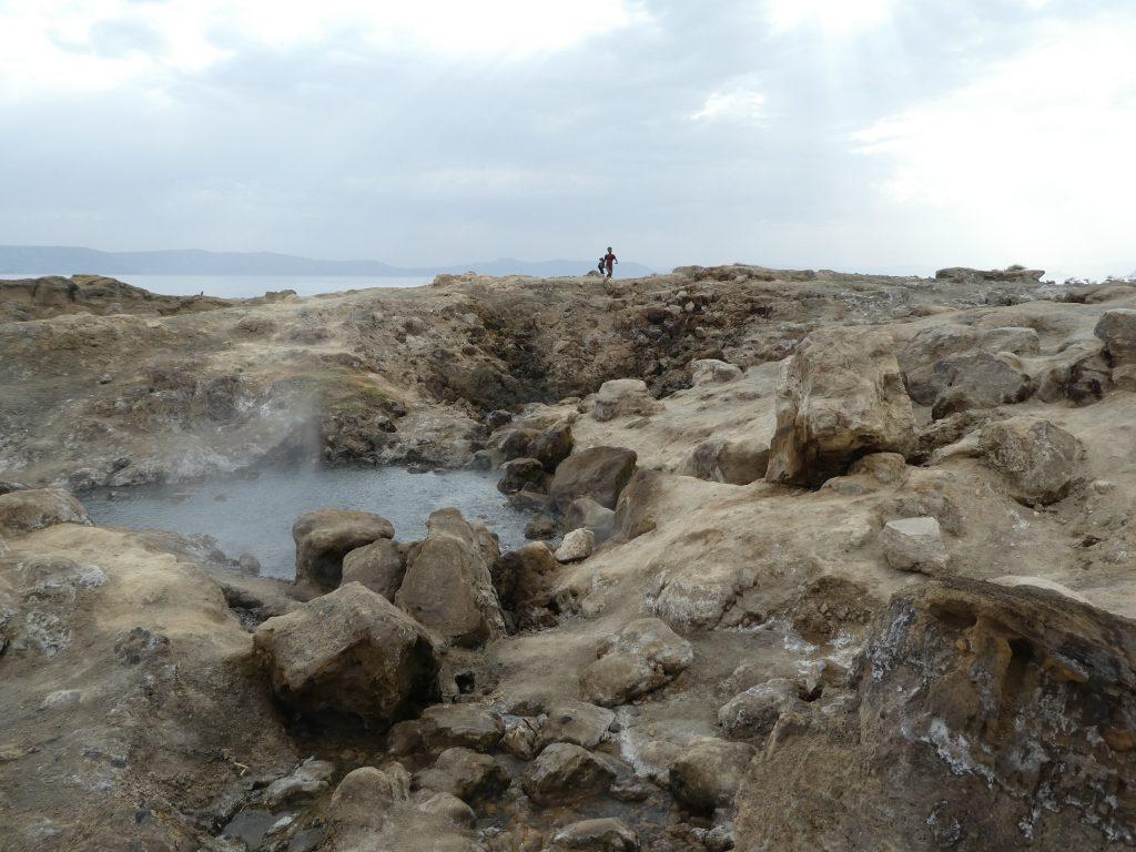Sources d'eau chaude volcanique du lac Shalla