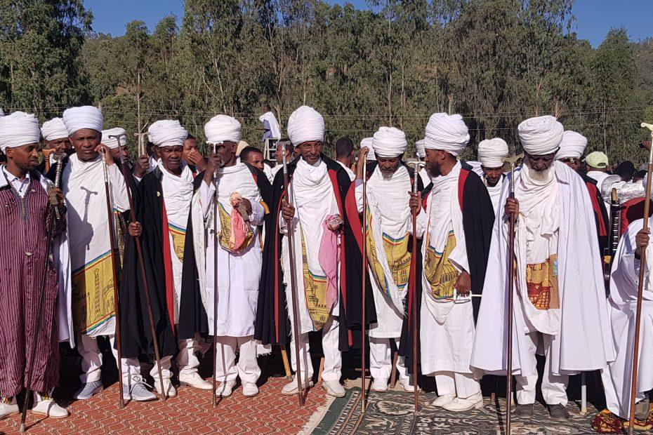 Prêtres à Axoum