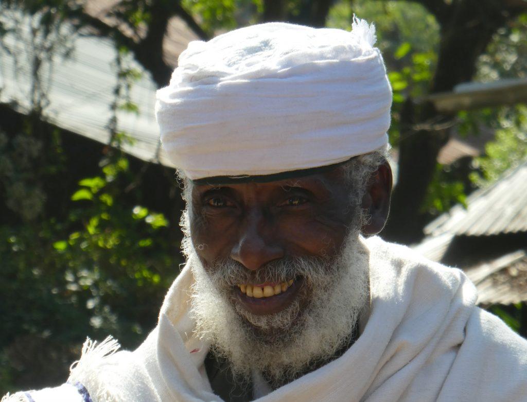 Prêtre au monastère Ura Kidane Mheret, Lac Tana